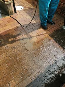 玄関レンガ高圧洗浄